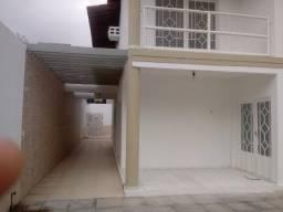 Residencia Bem Localizada - 4 Quartos e Area de Lazer