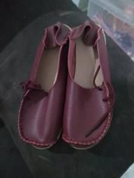 b044990902 Vendo lindo sapato de couro na cor vinho importado