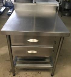 Mesinha de Inox Para Cozinha Industrial R$750