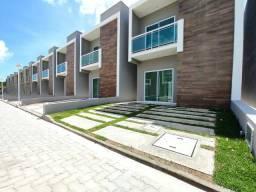 Casa em condomínio no Eusébio / 3quartos 100metros