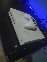 Título do anúncio: Xbox one s 1t com leitor de disco