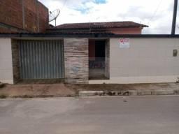 Casa à venda no Francisco Figueira , com 03 quartos( Sendo 01 suíte) 2 vagas na garagem