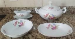 Título do anúncio: Conjunto porcelana Renner semi novo, de excelente qualidade.