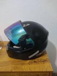 Troco em capacete feminino