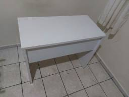 Título do anúncio: Mesa de Escritório - Para desocupar lugar