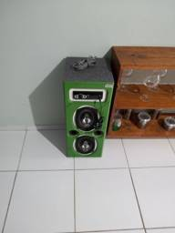 Caixa de som para dentro de casa