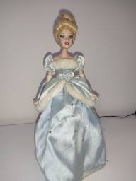 Boneca Cinderela,  princesa da Disney