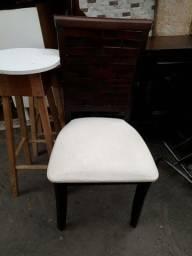 Título do anúncio: 4 cadeiras de madeira