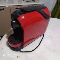 Cafeteira eletrica três corações.. pouco usada