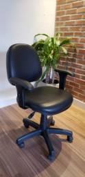 Cadeira para escritório ou Home Office com rodinha