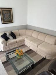 Sofá em L com assento removível