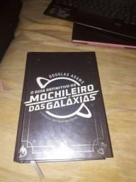 Livro O guia definitivo do Mochileiro das Galáxias