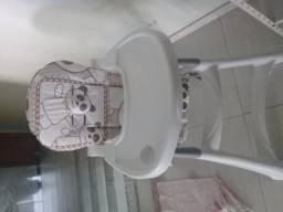 Vendo cadeira de refeição para bebê
