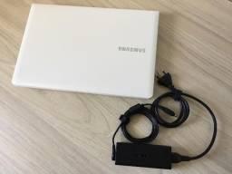 Notebook Samsung Processador Intel Core I3 2.40GHz, 4 GB de Memória, HD 500GB, Impecável