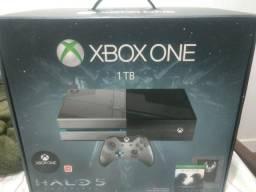 Xbox one 1 TB edicao especial Halo 5