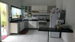 Casa Escriturada de 3 Pisos com 5 quartos; no conjunto Nova Caiari. Próxima ao Shopping