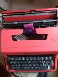 Máquina de escrever Olivetti 32
