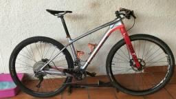 Bicicleta aro 29 MTB canyon CF carbono