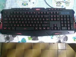 Mouse e teclado gamer