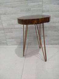 Vendo Mesa rústica com pés Hairpin Leg Triplo na cor Bronze
