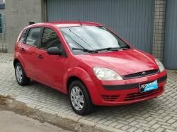 Fiesta Hatch 1.0 - Parcelo Cartão - 2004 - 2004