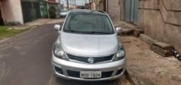 Carro sedan - 2013