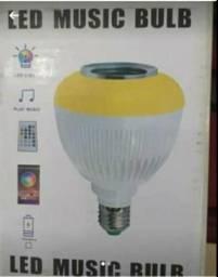 Vende se ou troco lampada com led e toca som via bluetooth ,