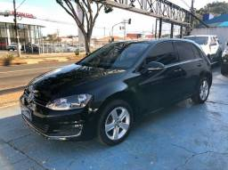 Volkswagen Golf Highline 4P