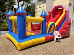 Aluga-se Escorregador com piscina de bolinhas inflável