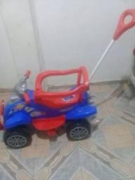 Vendo esse carrinho de Criança Novo