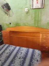 Vende - se Cabeceira de cama de Madeira