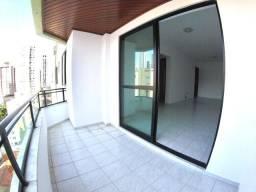 03 Dormitórios, 01 Suite, 02 Vagas privativas, Andar alto, Centro