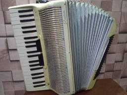 Acordeon italiano Rossini 120 baixos