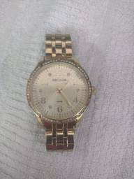 Relógio semi novo na caixa