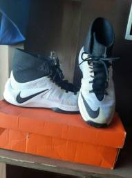 Nike basquetebol  zoom