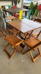 Jogo de mesa dobrável em madeira 70x70