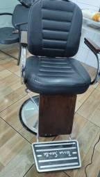 Título do anúncio: Cadeira barbeiro mais um espelho novos
