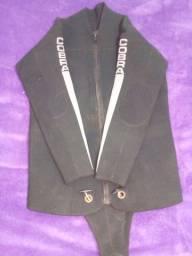 Roupa de mergulho macacão, blusa e calça