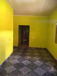 Aluga-se uma casa no Tancredo Neves