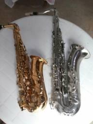 Vende-se dois saxofones