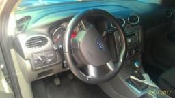Ford Focus Sedan - 2012