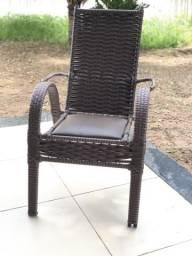 Cadeiras de Fibra Fixa e de Balanço 250,00
