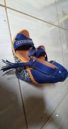 Vendo sandálias, pouco usadas