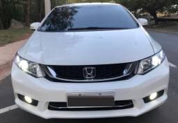 Honda Civic Com motor 2.0 16V Flex Branca Aut. De 2015 Perfeita