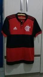 Camisa oficial do Flamengo 2017 tamanho P (48 cm x 75 cm) novinha