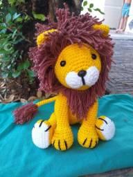 Leão amigurumi
