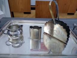 Peças banhadas a prata desgastada