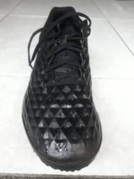 Chuteira Nike Tiempo Legend 8 Academy<br><br>