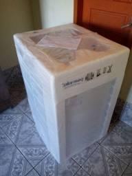 Maquina de lava fz tudo na caixa