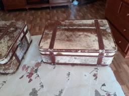 2malas antigas  em couro de boi super.conservadas
